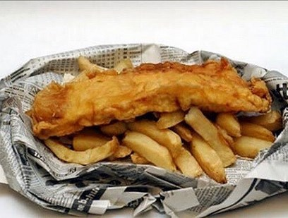 Фиш-энд-чипс. Жареная рыба с картошкой фри.